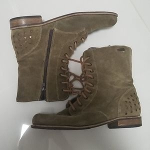 Vintage Army-Like Suede Boots